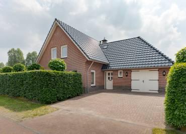 Diepmaat 8, Drenthe, 2002 Bedrooms Bedrooms, ,6 BadkamerBadkamer,Vrijstaande woning,Te koop,Diepmaat,2,1170
