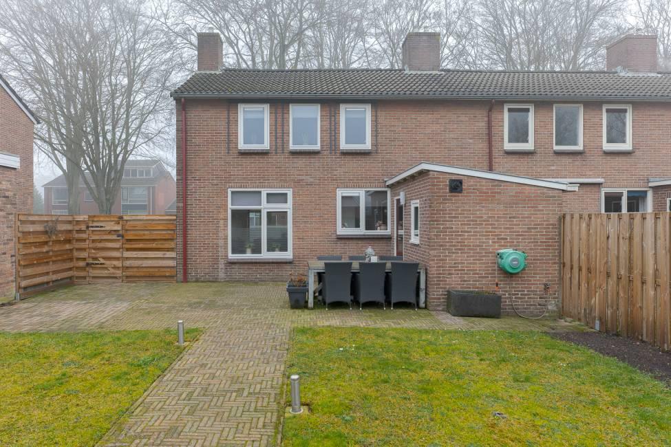 Beukenlaan 49, Drenthe, 1956 Slaapkamers Slaapkamers, ,4 BadkamerBadkamer,Hoekwoning,Te koop,Beukenlaan ,2,1193